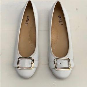 Vaneli Solana-flat white faux-leather size 7.5 M
